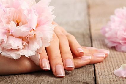 Восстановление поврежденных ногтей инновационными продуктами (Vitagel, IBX)